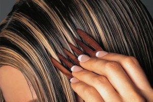 Основные правила мелирования на темные волосы.